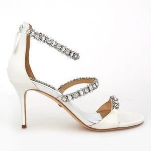 21c0535385bc Badgley Mischka Shoes - New Badgley Mischka Yasmine